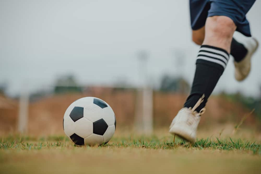 The 10 Step Guide To Kicking A Soccer Ball Perfectly